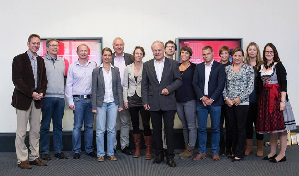 SWR-Intendant Peter Boudgoust mit den AEJ-Mitgliedern