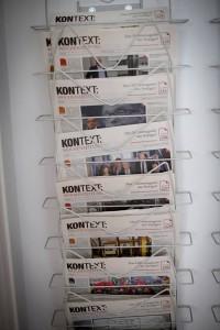 """Ausgaben der """"Kontext:Wochenzeitung"""""""